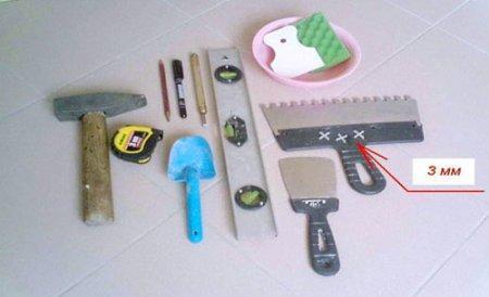 Инструмент для укладки плитки.