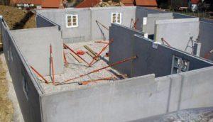 Железобетонные стены.