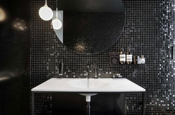 Балкон и мебель для ванной комнаты