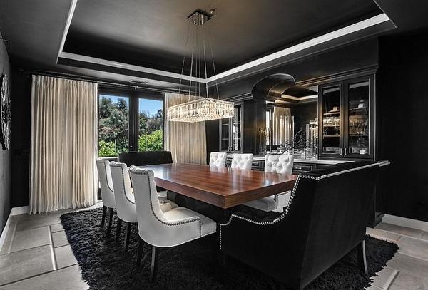 Черный декор, идеи великолепной столовой, черный цвет стен и потолков.