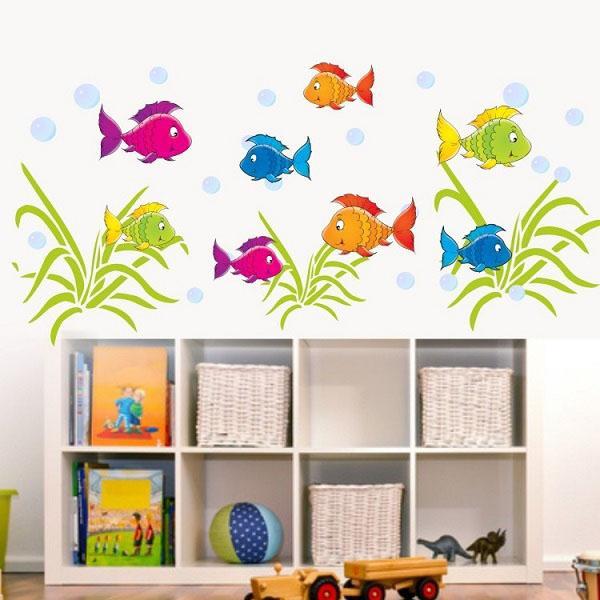 Идеи украшения стен золотые рыбки.