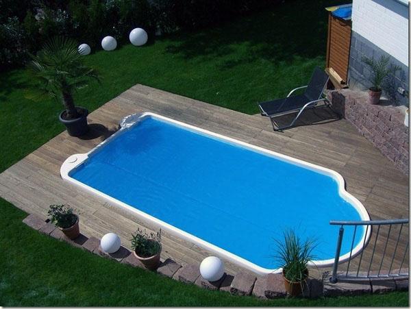 Современные патио, бассейн современного типа.