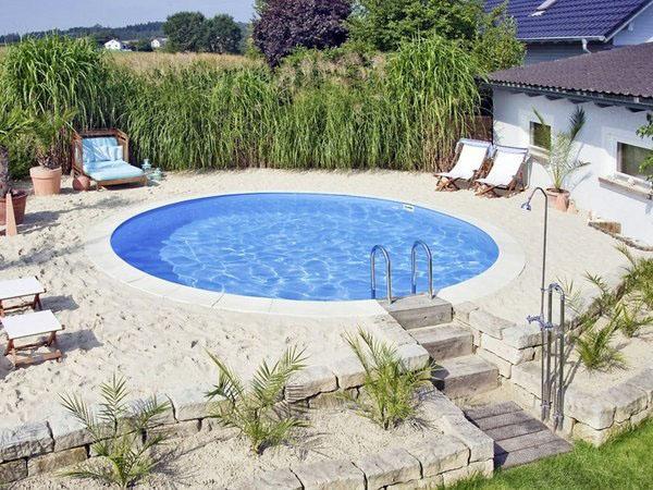 Идеальные идеи для ограниченного пространства небольшого бассейна.