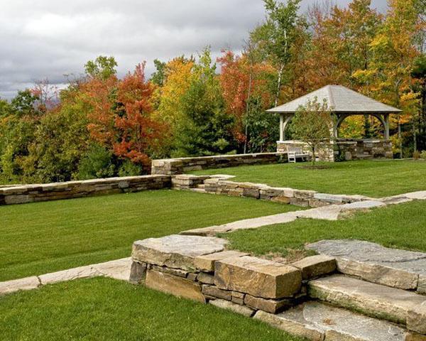 Традиционный ландшафтный дизайн блоков из натурального камня. Элегантный ландшафтный дизайн.