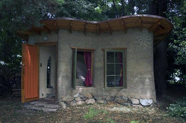 Как построить традиционный дом из глины.
