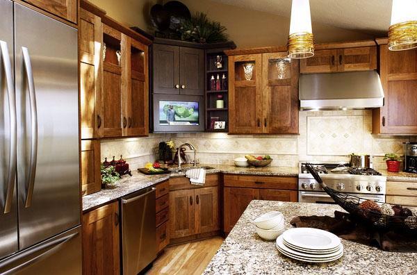 Современные кухонные идеи кухни с угловой раковиной.