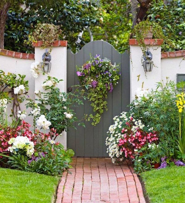 Деревянные садовые ворота
