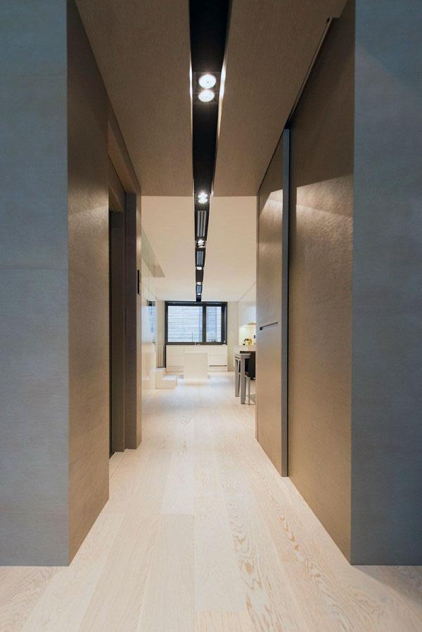 Раздвижные панели разделяют ванную комнату.
