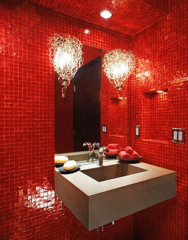 эффектные бра, современная ванная комната, красная мозаика