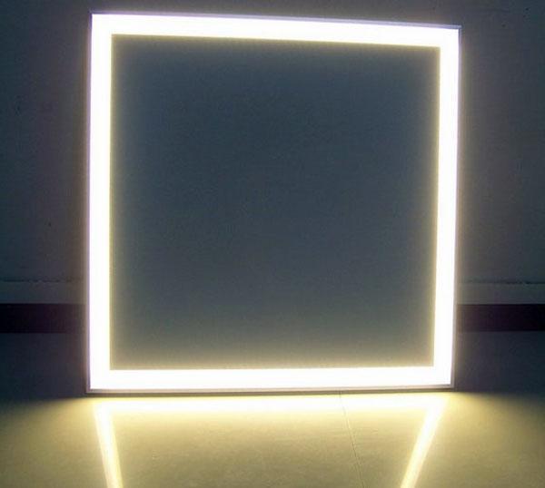 Невидимая светодиодная панель освещает современные идеи освещения дома