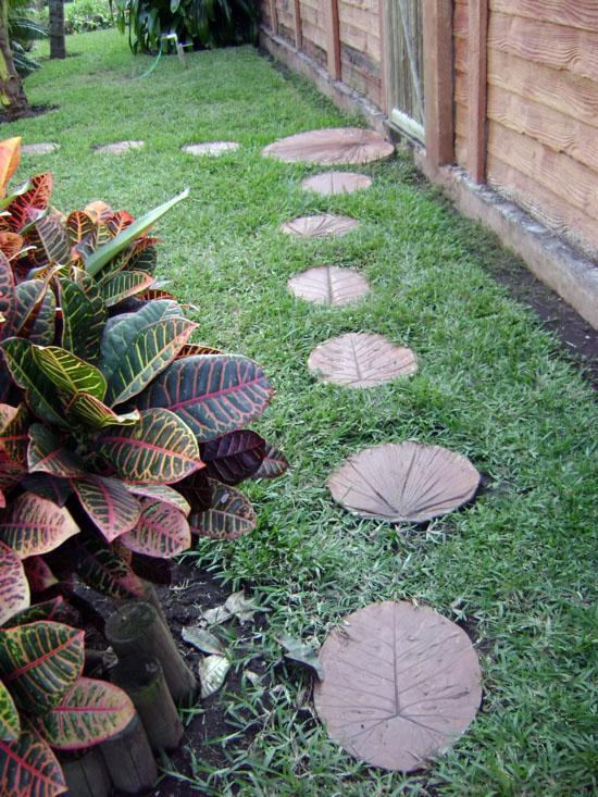 Каменные тропинки в саду