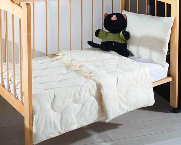 Как правильно выбрать одеяло для ребенка