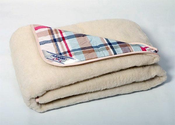 одеяла из шерсти.