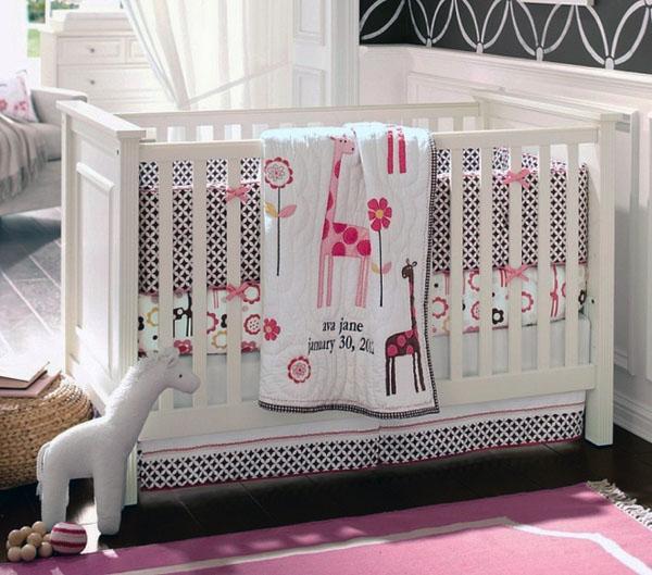 Детская кроватка важна для мирного сна маленького ребенка
