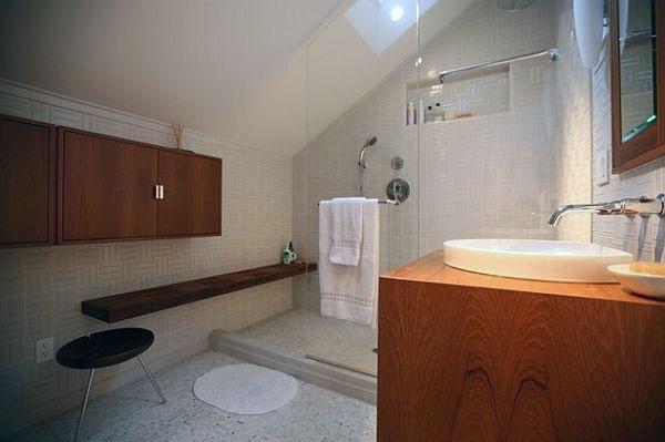 Натуральный камень-настил-ванная со стеклянной перегородкой