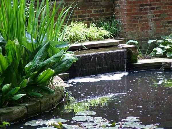 Фонтаны, водопады для сада
