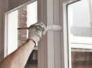 Как покрасить деревянные окна и двери