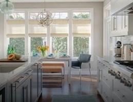 Обустройство уютной гостиной с кухней
