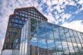 Важность оконного остекления в коммерческих зданиях