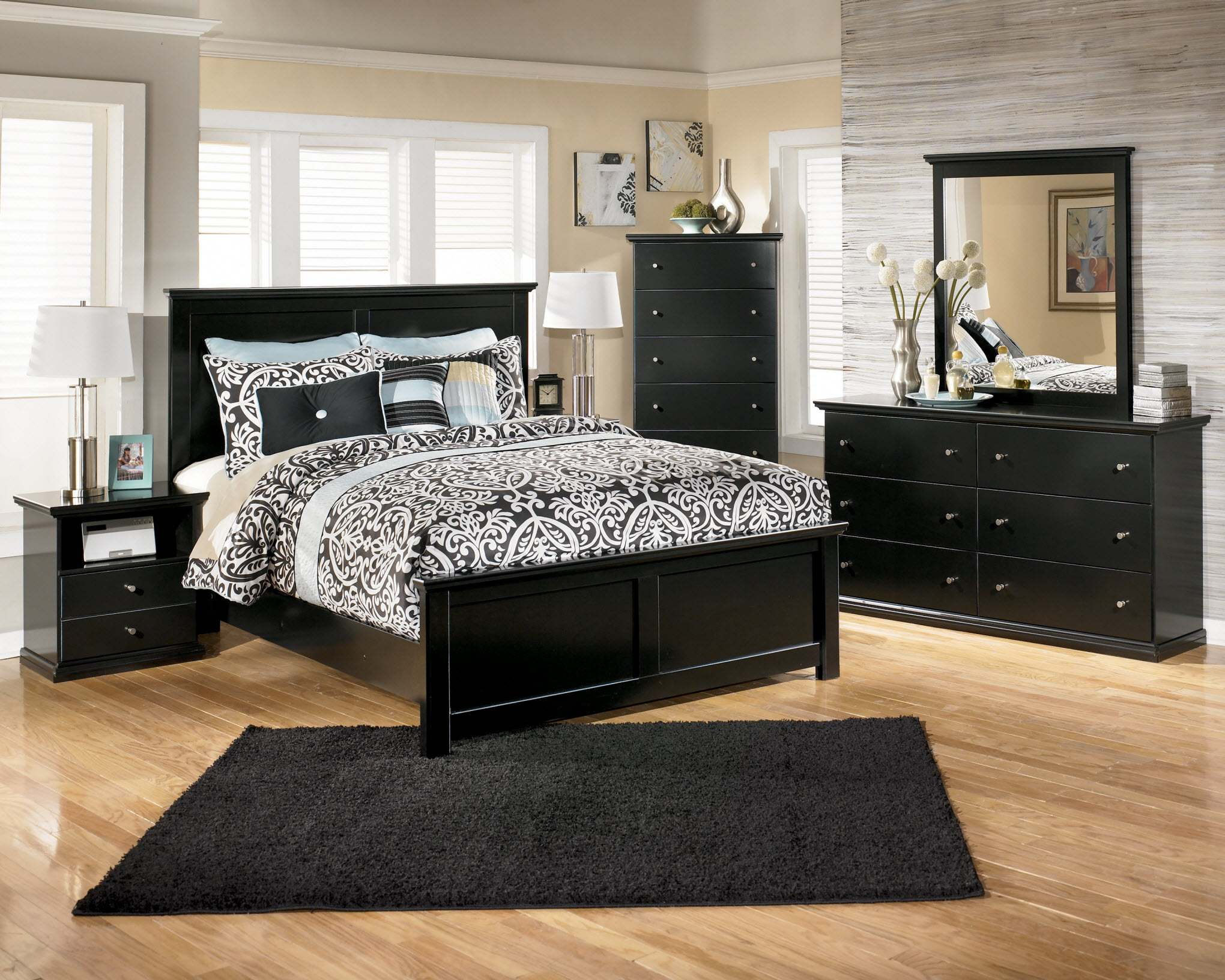 Черное-белая гамма для интерьера спальни11