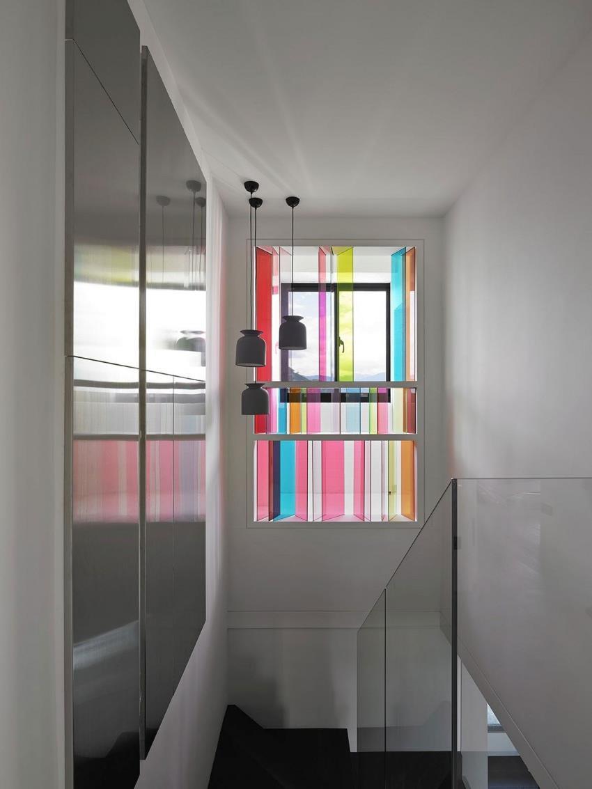 Интерьер современной квартиры приправленный красками (10)