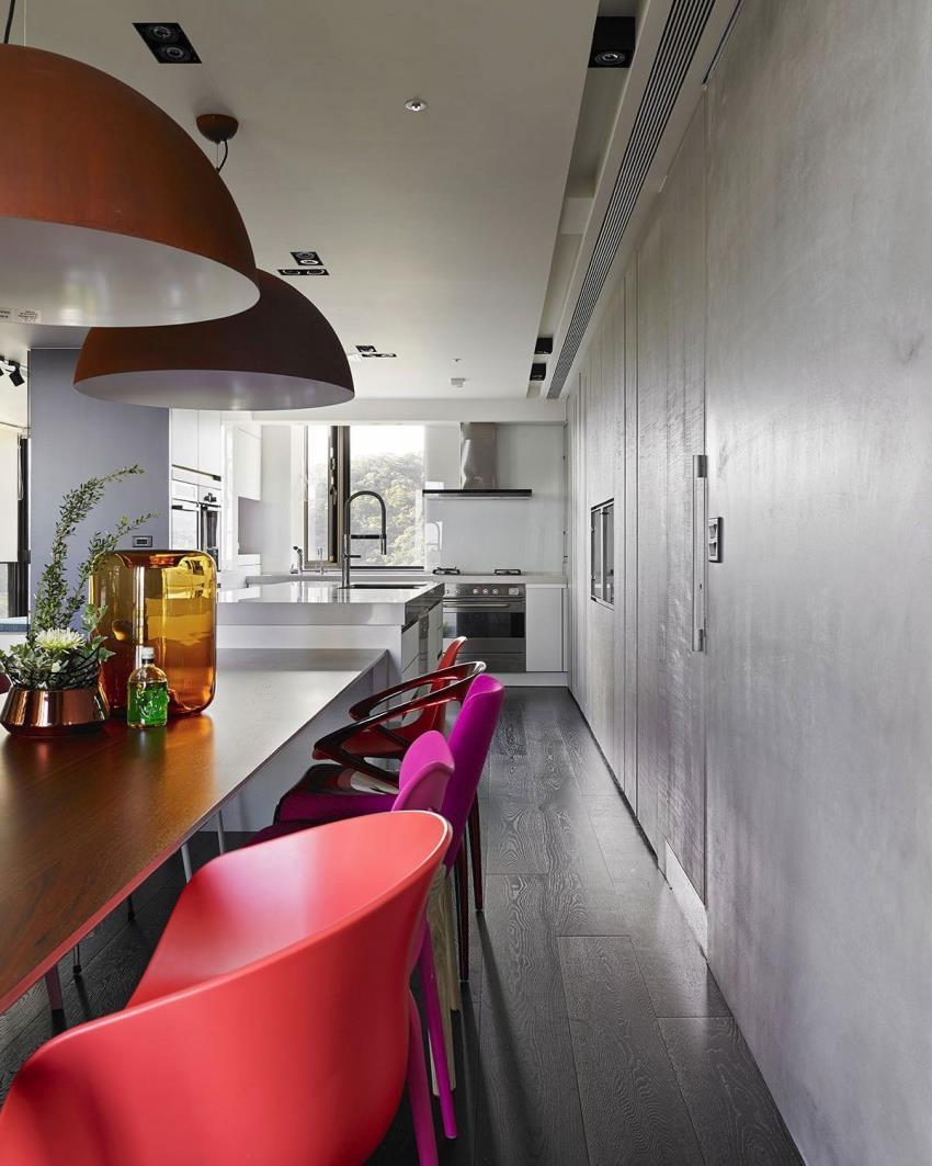 Интерьер современной квартиры приправленный красками (6)