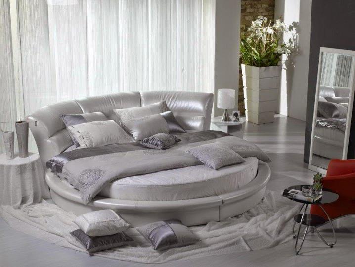 Потрясающий дизайн спальни с круглой кроватью (7)