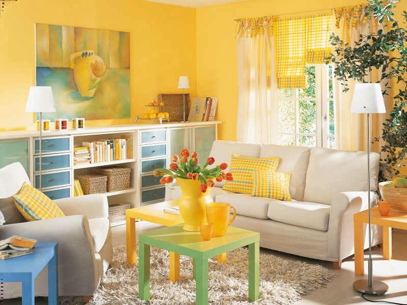 желтый цвет в интерьере гостиной1