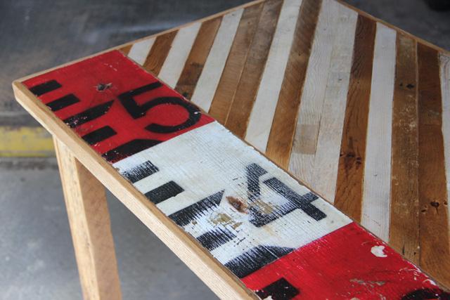 Мозаика на столах из старых реек