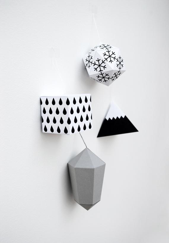 Новогодние игрушки из бумаги {Оригами}