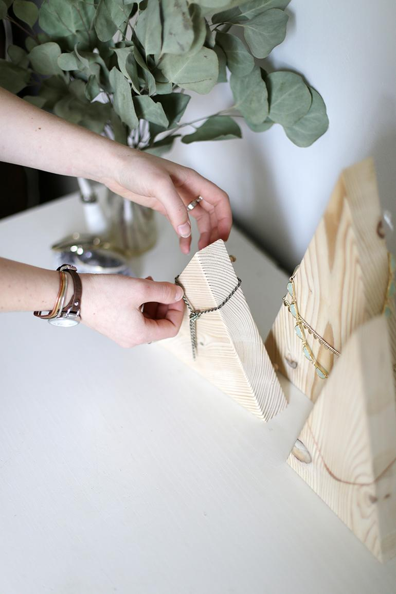 Органайзер для украшений из дерева