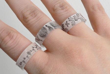 {своими руками} Пластиковые кольца с рисунком