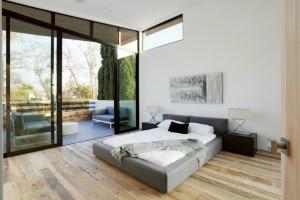 Балкон в спальне balkon-v-spalne-38