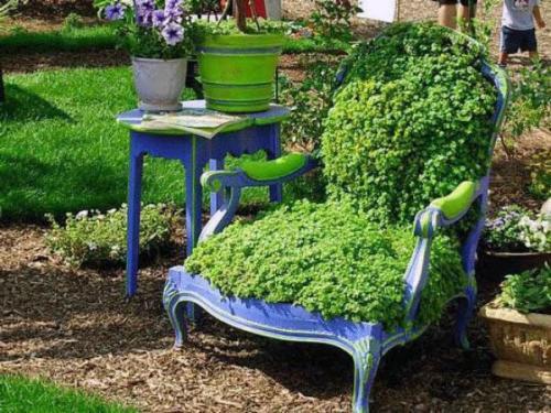 старинное кресло зеленого цвета украшение заднего двора