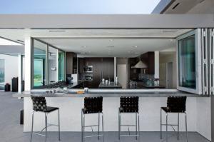 Кухня мраморные столешницы кухня бар