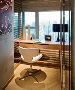 Письменный стол современный домашний офис