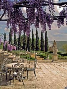 Средиземноморский декор внутреннего дворика