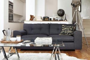 Серый интерьер бетонный потолок современный диван стула