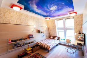 Звездное небо, галлактика на потолке
