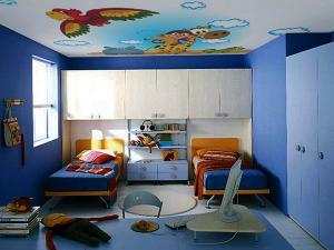 Бабочки на потолке в детской