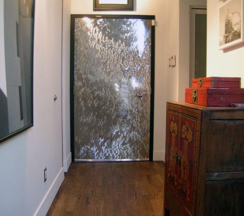 Металлические двери и их достоинства
