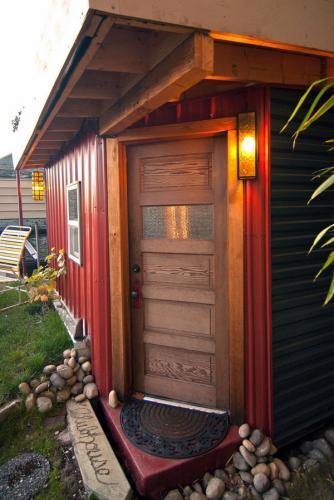 Современные настенные бра открытый дом вход