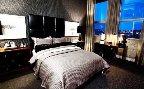Кожаная кровать изголовье серая стена цвет современные идеи оформления