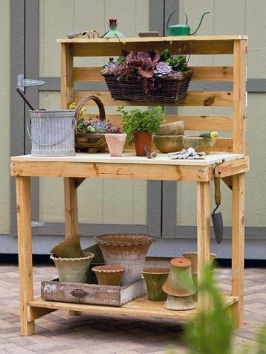 Садовый столик из поддона