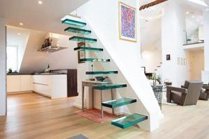дизайн интерьера лестницы современные лестницы стеклянные ступени
