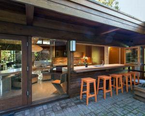 Пройти через дизайн внутреннего дворика