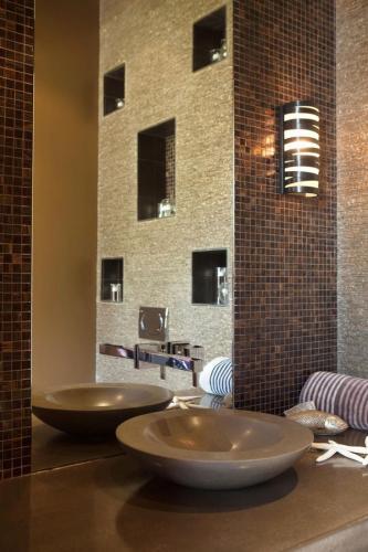 Современные стены бра современное освещение ванной комнаты